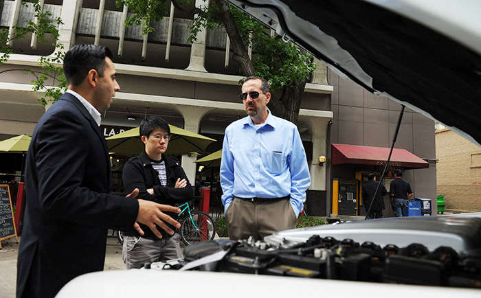 Fuel Cell Electric Vehicle and hydrogen stations outreach and education